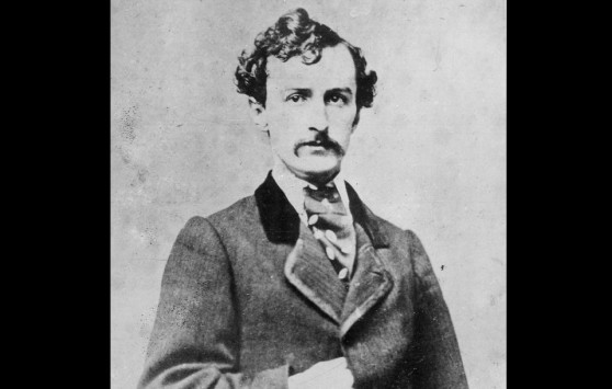 Stage-actor-and-Confederate-sympathize-John-Wilkes-Booth-in-a-portrait-taken-some-time-before-he-assassinated-President-Abraham-Lincoln-in-1865.-Booth-and-a-group-of-co-conspirators-planned-to-kill-Lincoln-Vice-President-Andrew-960x611